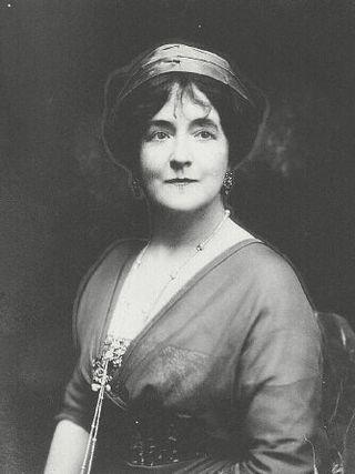 Lady duff hat
