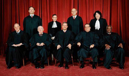 800px-Supreme_Court_US_2009