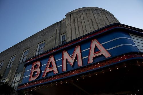 800px-Bama_Theatre_Sign_02
