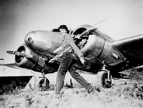 791px-Earhart_and_electra