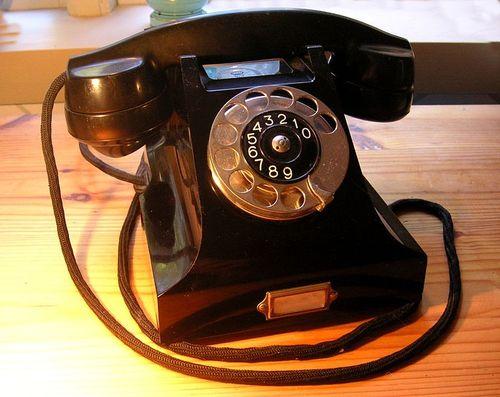 754px-Ericsson_bakelittelefon_1931
