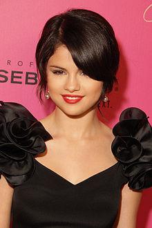 220px-Selena_Gomez_2009