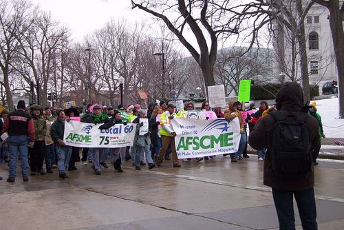 Wisconsin_AFSCME_protesters