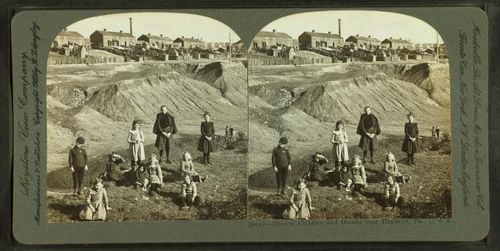 Miners'_children_and_houses_near_Hazelton,_Pa.,_U.S.A,_by_Singley,_B._L._(Benjamin_Lloyd)