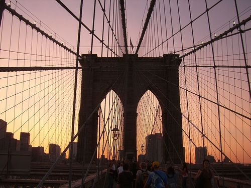 800px-Brooklin_Bridge-Nueva_York7093