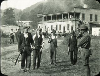Blair-1921-miners-turning-in-guns-6052-copy
