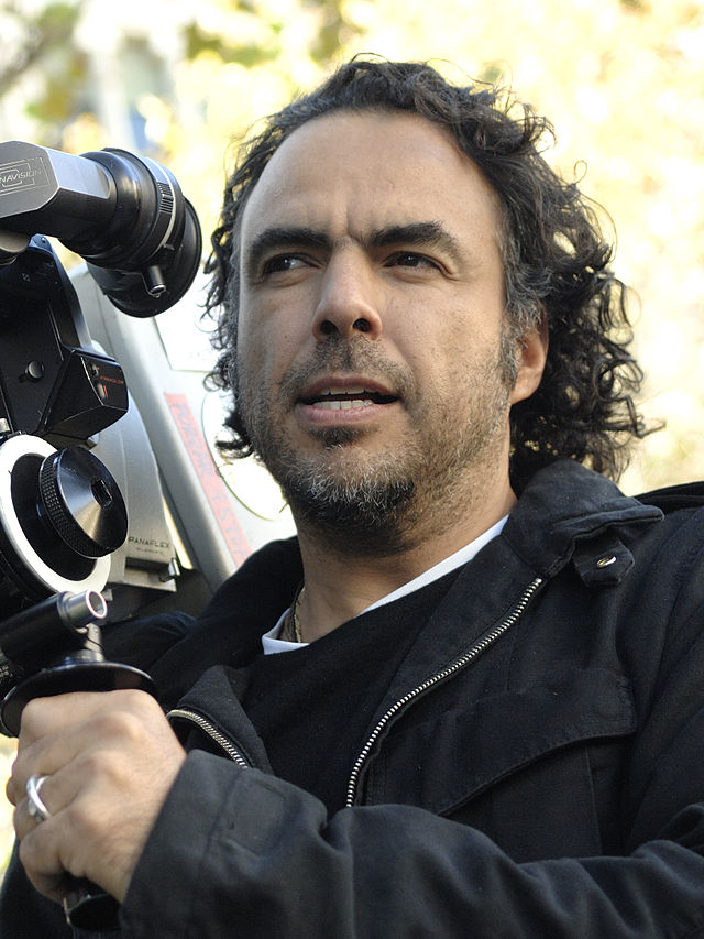 Iñárritu_with_a_camera_in_production_Cropped