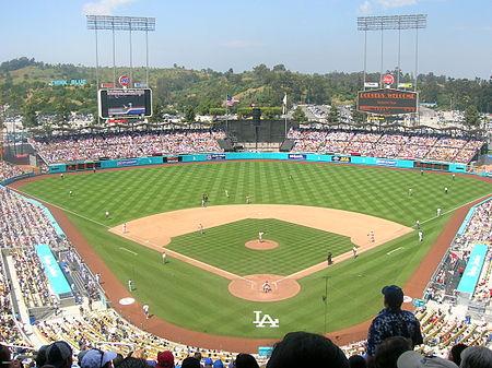 450px-Dodger_Stadium