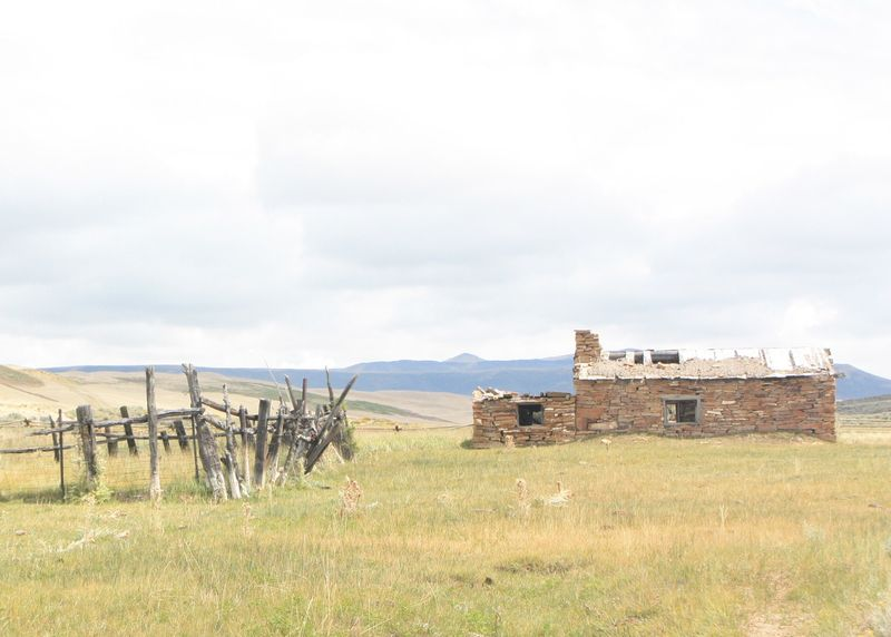 BLM_Wyoming_Employees_and_Volunteers_Replace_Crookston_Ranch_Fencing_(15349986275)