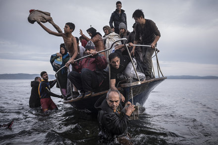 18-lens-refugees-slide-8AS8-mediumThreeByTwo440