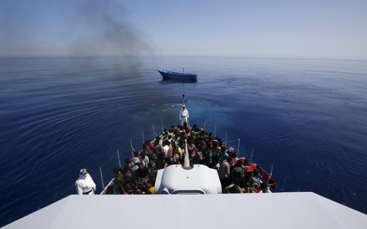 64322467__Lampedusa-large_trans++eo_i_u9APj8RuoebjoAHt0k9u7HhRJvuo-ZLenGRumA