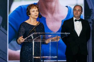 Burton Awards Linda Edwards