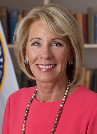 800px-Betsy_DeVos_official_portrait_(cropped)