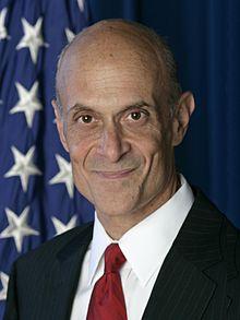 Michael_Chertoff _official_DHS_photo_portrait _2007