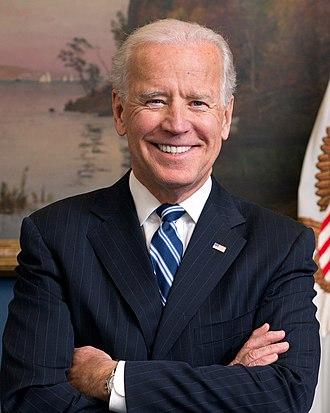 330px-Joe_Biden_official_portrait_2013_cropped