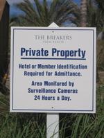 Breakers_palm_beach_no_trespassing_sign